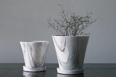 マーブル柄が美しい植木鉢