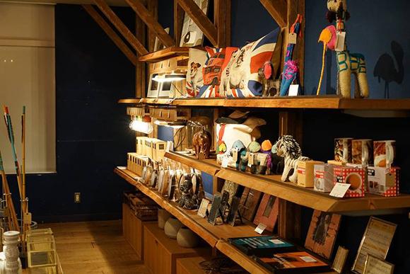 A to A market attic 池袋 Esola