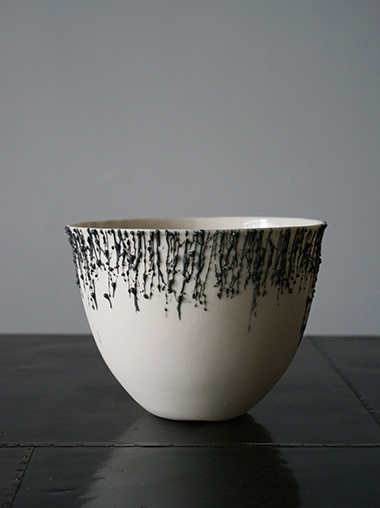 Rika Herbst 作家 磁器 Meltdown with Stained Dribbles by Rika Herbst