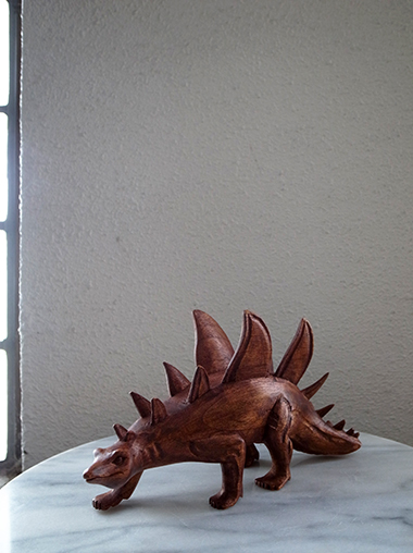 木製恐竜オブジェ ステゴザウルス Wood