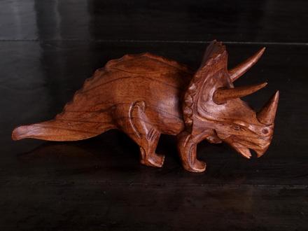 木製恐竜オブジェ トリケラトプス