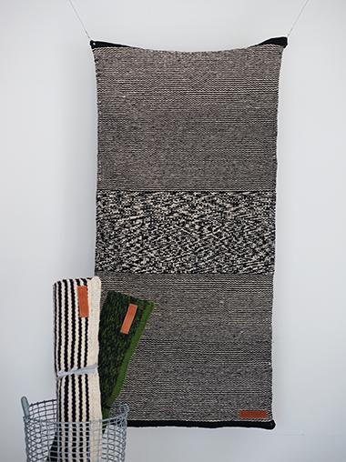 Lagos del Mundo ラゴスデルムンド メキシコのウールラグ Black Lines Rug Designed by